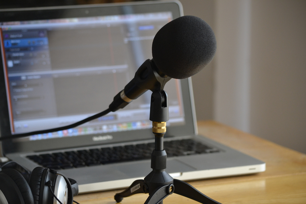 AUDIO PODCASTING FOR AUTHORS: Income streams and production tools